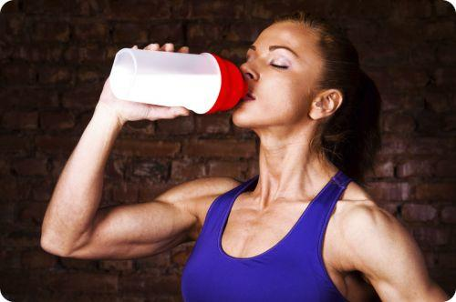 how much protein to build muscle female